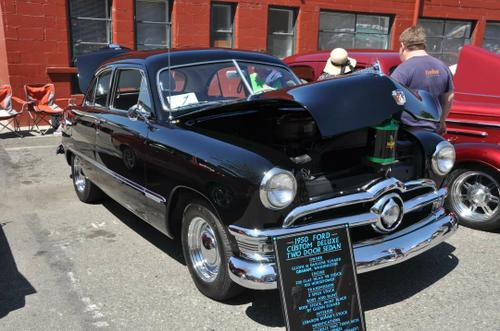 1950 Ford 2-Door Sedan 239 ci Flathead V8