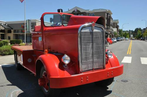 1952 Kenworth 1091 ci 400HP Hall-Scott Engine