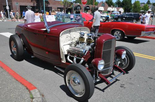 1932 Ford Roadster powered by an Olds Rocket