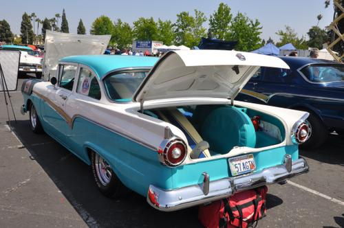 1957 Ford Custom 300 Tudor